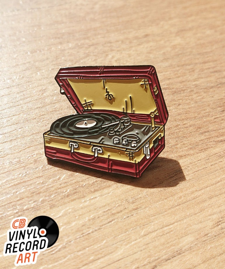 Portable record player enamel pin - Vintage accessory