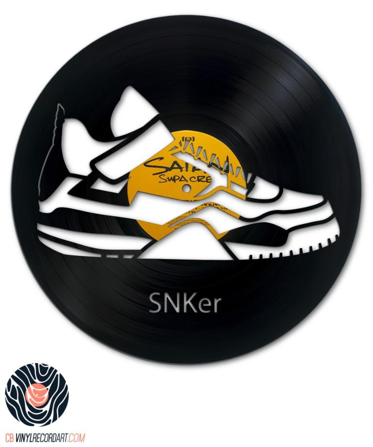 SNKer – Déco murale et sculpture sur disque vinyle