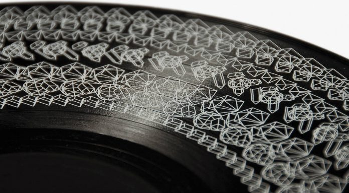 Vinyl cover with analog light animation