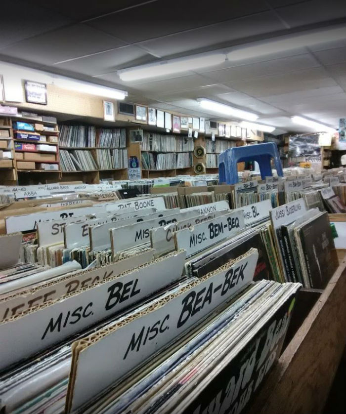close up record crates in berverly records, record shop in chicago