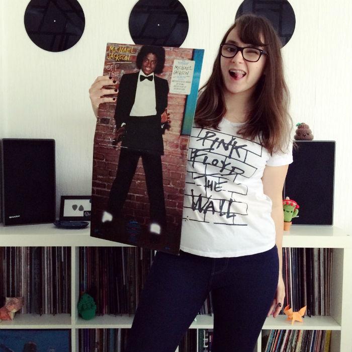 hello vinyl tient un album de michael jackson
